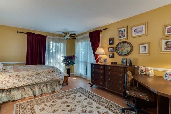 DSC 1283masterbedroom