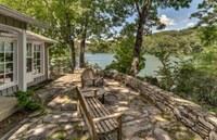 Unique Lake Adger Retreat