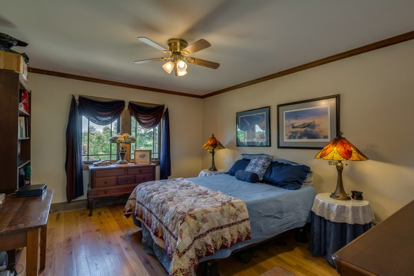 DSC 6280bedroom